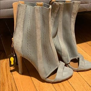 Brand new ! Grey suede booties